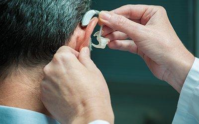 come scegliere apparecchio acustico