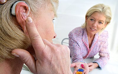 Gli apparecchi acustici sono important per risolvere problemi uditivi