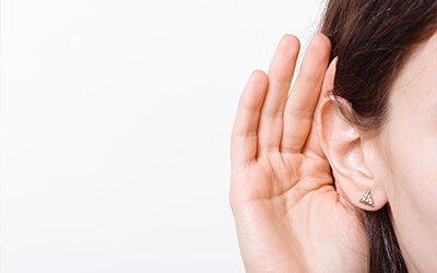 Occorre non sottovalutare i sintomi e le cause di un'ipoacusia improvvisa