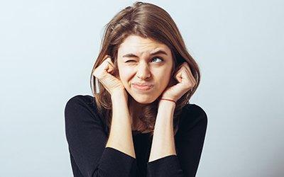 Evitare problemi all'udito con l'uso corretto delle cuffie