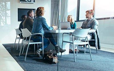 Organizzare le riunioni di lavoro con ipoacusici