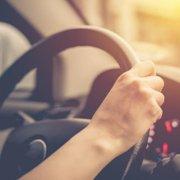 Alla guida con l'apparecchio acustico